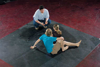 Brett Marks '06 directs the suicides of Romeo and Juliet, Mark Buttweiler '09 and Nicole Erlach '09, in the Bonn Studio.