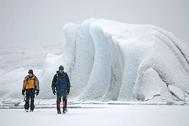 Balog (in blue) with field assistant Svavar Jónatansson on a snowy day in Iceland in March 2007. Photograph: Blake Gordon. Click on image to enlarge.