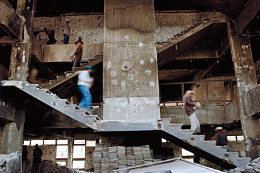 Al-Mustansariyah University administration building, Baghdad, January 24, 2004. photograph: Max Whittaker/Corbis
